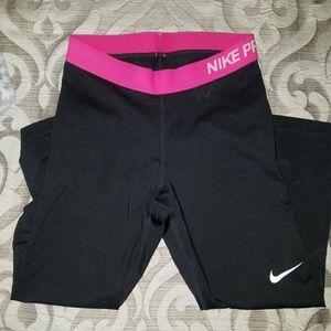 Nike Capri Work Out Pant